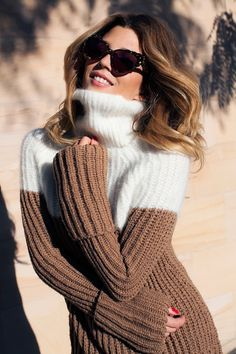 Six ways to wear navy this winter - Vogue Australia Thick Sweaters, Sweaters For Women, Gros Pull Long, Wool Tights, Pullover Outfit, Winter Stil, Knitting Designs, Sweater Outfits, Sweater Weather