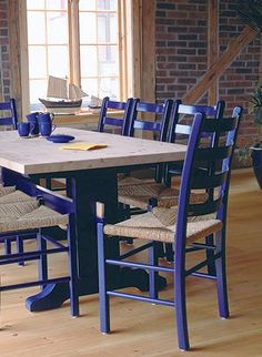Traditional pinewood table now also available in painted finish. A strong, stable design that is made to measure.