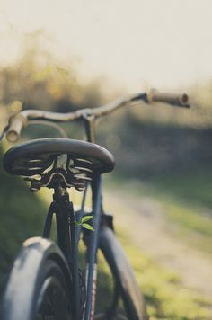 .A bicyclette.