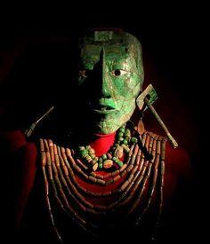 Maya glyphs deciphered! Lord Pakal the Great's tomb was named: House of the 9 Sharpened Spears http://www.gaceta.unam.mx/20150615/descifrado-jeroglifico-de-la-tumba-del-rey-pakal/…