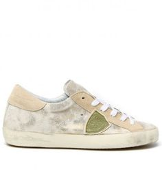 SNEAKERS CLASSIC BASSE IN SUEDE LAMINATO ORO #playgroundshop #philippemodel #fashion #fashionstyle #fashionblogger #shoes #woman #style