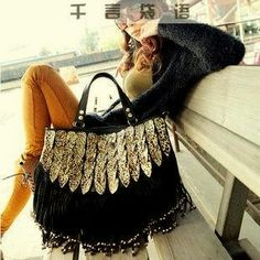 Vintage Leopard Tassel Bag&Handbag on Luulla from onfancyLuulla. Saved to Things I want as gifts. Fringe Handbags, Tote Handbags, Fashion Bags, Love Fashion, Womens Fashion, Diy Fashion, Custom Purses, Look Boho, Shoulder Purse