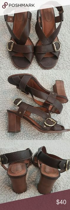 Corso Como Brown Sandal with Heel Size 7.5 These genuine leather sandals are so well made. They are not new but very light use on them. No imperfections.   BUNDLE AND SAVE!  *Pet and smoke-free home! I often adjust my price during Posh parties and promos, keep an eye out!! Offers welcomed! Corso Como Shoes Sandals