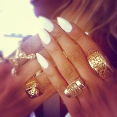 #white #nails #gold