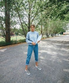Cute denim and sweater ♥ New Outfits, Spring Outfits, Trendy Outfits, Fashion Outfits, Marla Catherine, Outfit Goals, Looks Cool, Teen Fashion, Retro Fashion