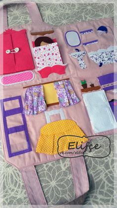Привет! Наша сумка- дом для куклы готова!!! И пусть там пока нет кухонной утвари, разных баночек для ванны, пустые книжние полки, это все б...