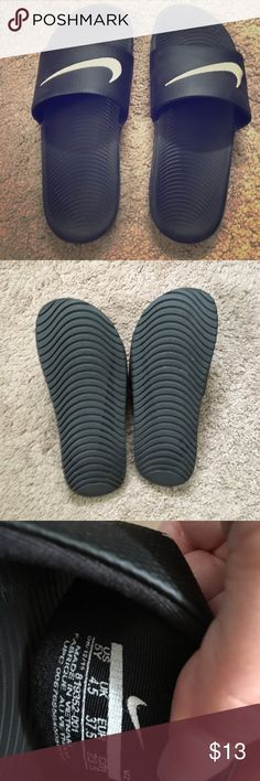 Nike 5Y boys slides Gently worn slides, 5Y boys, I wear women's size 6 and these are a perfect fit! They are perfect with or without socks! Nike Shoes Sandals
