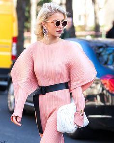 Caroline @carodaur leaving Grand Palais after @chloe FW17 Paris Fashion Week  by #chrissmart  www.csmartfx.com  #PFW #PFW17 #AW17 #FW17 #StreetStyle #Fashion #FashionWeek #paris #parisfashionweek #moda #mode #ootd #fashionlook #womensfashion #beauty #street #womenswear #chic #style #pfw2017