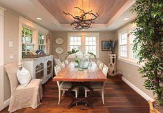 House of Turquoise: Renée Gaddis Interiors | coastal dining room