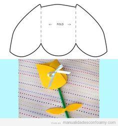 Tulipán en goma eva con plantilla para descargar   Manualidades con Foamy   Fotos, vídeos, tutoriales e ideas para hacer manualidades con foamy para niños