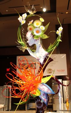 Sugar Showpiece created by Team Japan -World Pastry Team Championship 2012 - The Chicago School of Mold Making #sugarflowers