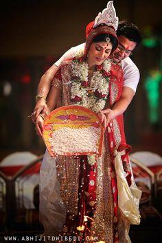 Wedding Gift Ideas Kolkata : ideas about Bengali Wedding on Pinterest Bengali Bride, Desi Wedding ...