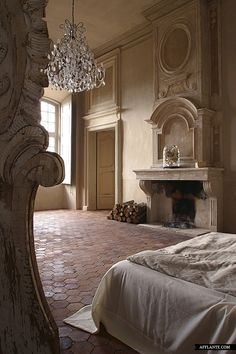 Château de Moissac-Bellevue // Authentic Interior | Afflante.com