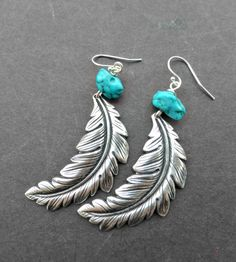 Earrings Feather Turquoise chunk gemstone and Feather earrings, metal. Feather Earrings, Gemstone Earrings, Beaded Earrings, Beaded Jewelry, Silver Earrings, Jewelry Rings, Boho Necklace, Silver Bracelets, Wire Jewelry