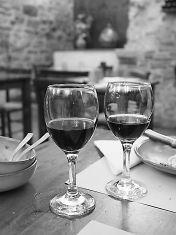 Per...bacco! Coltura della vite e cultura del vino: guide di viaggio, itinerari, vademecum sul mondo del vino