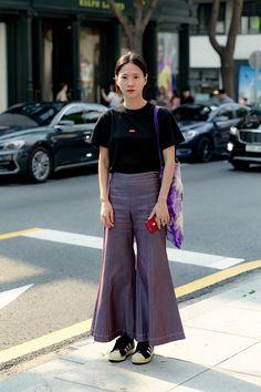 Second story about Seoul streetwaer in summer of July, 2019 - écheveau Vegetarian Ramen, Second Story, Street Style Women, Seoul, Summer, Pants, Fashion, Winter Time, Trouser Pants