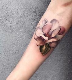 flower tattoo by 3d Flower Tattoos, Realistic Flower Tattoo, Rose Tattoos, Sexy Tattoos, Body Art Tattoos, Sleeve Tattoos, Tattoos For Women, Piercings, Piercing Tattoo