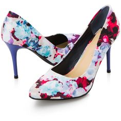 Ashley Stewart Wide Width Natasha Pointy Toe Floral Pump ($40) ❤ liked on Polyvore featuring shoes, pumps, ashley stewart, floral print pumps, wide shoes, high heel pumps and pointed-toe pumps