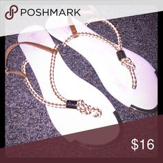 Mossimo sandals Off white color with gold Shoes Sandals