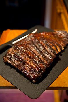 Grillad, mör fläsksida med honungssmak Coleslaw, Love Food, Slow Cooker, Steak, Grilling, Pork, Buttons, Gourmet, Grey