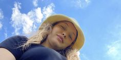 Gigi Hadid Shares Throwback Pregnancy Selfies on Instagram Poems For Him, Bella Gigi Hadid, Jon Hamm, Black Crop Tops, Celebs, Celebrities, Pregnancy Photos, Supermodels, Boyfriend