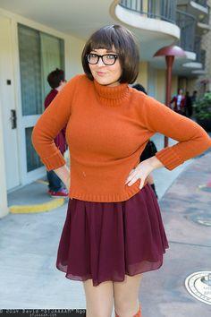 Velma Dinkley | Anime Los Angeles 2014. View more EPIC cosplay at http://pinterest.com/SuburbanFandom/cosplay/...