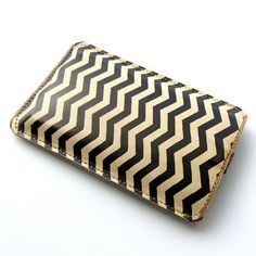 Leather iPhone case (All) iTouch case (All) case HTC case - Zig Zag - Chevron design Htc Phone Cases, Iphone 6, Unique Gifts, Best Gifts, Iphone Leather Case, Works With Alexa, Leather Cover, Personalized Gifts, Chevron