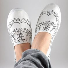 Get the fancy look of oxfords with the comfort of a slip on. Simple shapes are drawn to make some fab shoes!