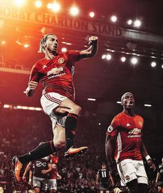 Amazing Photo of Zlatan and Pogba Barcelona Football, Fc Barcelona, Football Fever, Sir Alex Ferguson, Wayne Rooney, Best Club, Manchester United Football, Football Wallpaper, Man United