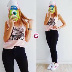 ULTIMA MUSCU FARAWAY ROSA $260 Puro algodónNO VUELVE  JEAN LONDON $650 Elastizado tiro alto azul con parche negro ULTIMOS 3! NO VUELVE Local Belgrano Envíos Efectivo y tarjetas Tienda Online www.oyuelito.com.ar #followme #oyuelitostore #stylish #styles #fashion #model #fashionista #fashionpost #ootd #moda #clothing #instafashion #trendy #chic #girl #trends #outfitoftheday #selfie #showroom #loveit #look #lookbook #inspirationoftheday #modafemenina #jeans