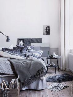 Shades or grey and blue in a Scandinavian bedroom // Pinterest: queenxmarie