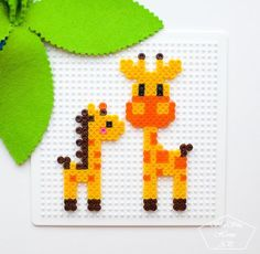 Собрали нашему жирафчику - МАМУ  . Правда они очаровашки???  . Наша коллекция поделок из термомозаики  #термомозаика_shushuhome_ap  . Всех, с началом новой недели