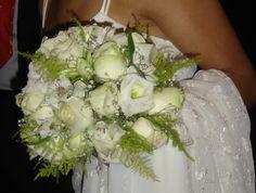 Ramo de boda en blanco