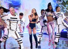 Pin for Later: Here's the Exact Moment Ariana Grande Got Smacked by a Victoria's Secret Angel