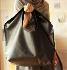 black leather bag4
