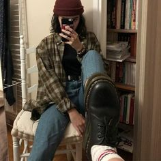 grunge outfits - Today Pin - Skater girl outfits - Source by Indie Outfits, Cute Casual Outfits, Retro Outfits, Vintage Outfits, Cute Grunge Outfits, Cheap Outfits, Aesthetic Grunge Outfit, Aesthetic Fashion, Aesthetic Clothes