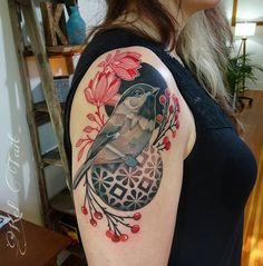 Gorgeous tattoo by Kel Tait at Teitari OS in Portland OR. Modern Tattoos, Unique Tattoos, Cool Tattoos, Tatoos, Tattoo Bein, Get A Tattoo, Pretty Tattoos, Beautiful Tattoos, Chickadee Tattoo