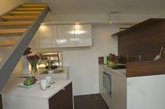 Küchenbereich / Cucina #interior #penthouse Architekt: DI Bernd Ludin, Foto: Gerda Eichholzer Table, Furniture, Home Decor, Commercial Real Estate, Homes, Homemade Home Decor, Mesas, Home Furnishings, Desk