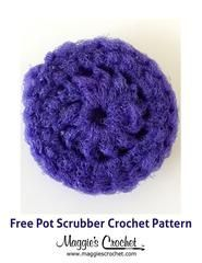 Crochet Pattern Free This Nylon Pot Scrubber is just a double scrubbie! Scrubbies are easy to make once you get the hang of it. You'll need a large crochet hook, like a Q, and a little bit of patience. The trick to cro. Crochet Round, Knit Or Crochet, Crochet Crafts, Yarn Crafts, Single Crochet, Easy Crochet, Crochet Projects, Free Crochet, Diy Crafts