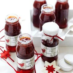 Raspberry and sweet chilli jam. Perfect for parties or as a gift. Chilli Jam, Sweet Chilli, Creative Gourmet, Fruit Jam, Organic Sugar, Canning Recipes, Sauce Recipes, Chili Recipes, Food Network Recipes