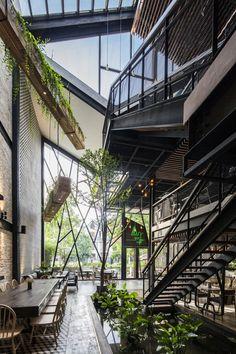 An'garden Café,© Hyroyuki Oki Villa, Fontainebleau, House Photography, Coffee Photography, Coffee Shop Design, Cafe Shop, Cafe Bar, Restaurant Interior Design, Cafe Restaurant