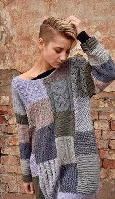 This would be a great scrap using project. Would require a bit of work to adapt . - This would be a great scrap using project. Would require a bit of work to adapt to basic knitting pattern? Source by songtothemoon - Knitting Patterns Free, Knit Patterns, Hand Knitting, Knitting Sweaters, Dress Link, Knit Fashion, Pulls, Knit Dress, Knitwear