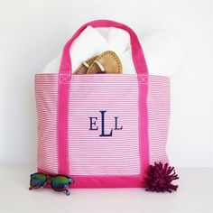 Warmer weather is on its way! Make sure you have this roomy, carryall tote for your days on the go. Add your monogram for that added custom touch. #Spring #CustomTote #Totebag #KraftyChix