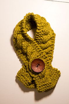 dykast.us » Gifts: Cable Knit Scarves