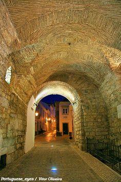 Arco da Vila - Faro - Portugal The Blue Dragon, Portugale #visitportugal