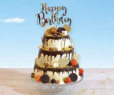 Dripcakes versier je samen met de Meesterbakker! Bij ons heb je de keuze uit 3 maten dripcake, 2 soorten vulling (M&M bavaroise en aardbeienbavaroise) en 3 kleuren drip. Naast de dripcake bieden we diverse versiersetjes, sprinkles en eetbare lijm. Hoe versier je je dripcake? Happy Birthday, Birthday Cake, Jaba, Sweet Sixteen, Desserts, Food, Bavarian Cream, Seeds, Happy Brithday