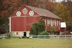 Fredas Hive: Barns of Berks County