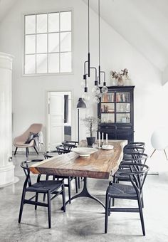 Raw Beauty: 14 Gorgeous Spaces with Concrete Floors
