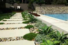 Garden Design Ideas - Amazing Modern Garden With Concrete Block ...