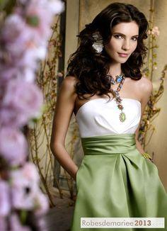 Robes Demoiselles d Honneur-Elégante Robe Demoiselle d'Honneur Bustier Court  Mini Jupe http://www.robesdemariee2013.com/demoiselle/el%C3%A9gante-robe-demoiselle-dhonneur-bustier-court-mini-jupe-p-11481.htm